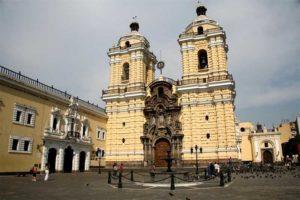 Exterior de la Iglesia de San Francisco en Lima