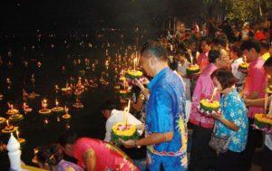 Loy-Krathong-en-viaje a tailandia