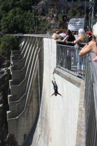 salto bunguee en Verzasca Suiza